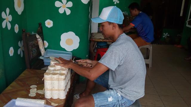 Pusat Kerajinan Tempe Malang, Santapan Gurih Politisi Menebar Janji Kampanye