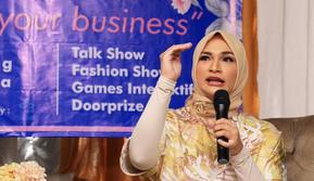 Berbekal pendidikan di bidang bisnis dan berbagai pengalaman bisnis yang di miliki, Futri Zulya Savitri mengajak para perempuan Indonesia memberdayakan diri.