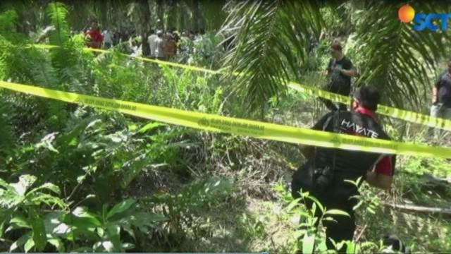 Polisi yang tiba di lokasi menyebut korban dibunuh karena pada sekujur tubuh terdapat sejumlah luka bekas pukulan benda tumpul.