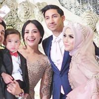 Raffi Ahmad dan Nagita Slavina  mengucapkan kepada Medina Zein atas pernikahannya (Instagram/@medinazein)