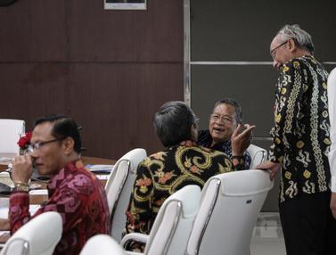 Momen Para Menteri Menunggu Rakor