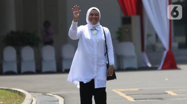 Politisi PKB Ida Fauziah tiba di Kompleks Istana Kepresidenan di Jakarta, Selasa (22/10/2019). Ida Fauziah merupakan politikus PKB pertama yang datang ke Istana menjelang pengumuman menteri Kabinet Kerja Jilid II. (Liputan6.com/Angga Yuniar)