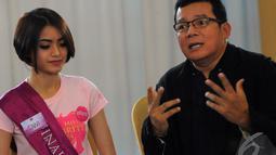 Mathias Muchus mengajari para finalis Micel 2014 bagaimana cara untuk mendalami sebuah peran agar penonton merasakan apa yang diperankan, Jakarta, Rabu (22/10/2014) (Liputan6.com/Faisal R Syam)