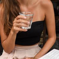 ilustrasi Kenali Aturan Waktu yang Tepat untuk Minum/unsplash