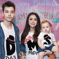 Celine Evangelista dan Stefan William bersama anak. (Instagram/celine_evangelista)