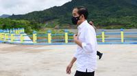 Presiden Joko Widodo atau Jokowi meresmikan Bendungan Napun Gete di Kabupaten Sikka, NTT, Selasa (23/2/2021). (Foto: Biro Pers Sekretariat Presiden)