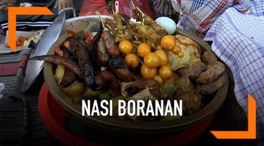 Nasi boranan merupakan makanan khas dari Lamongan, Jawa Timur yang diburu pembeli saat buka puasa. Penjual nasi boranan yang berada di sejumlah titik Kota Lamongan selalu ramai oleh warga yang berbuka puasa. Selain cepat saji, makanan khas Lamongan i...