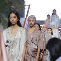 Koleksi AVA Prologue  untuk Ramadan in Style Plaza Indonesia, 15 Mei 2019. (Daniel Kampua/Fimela.com)