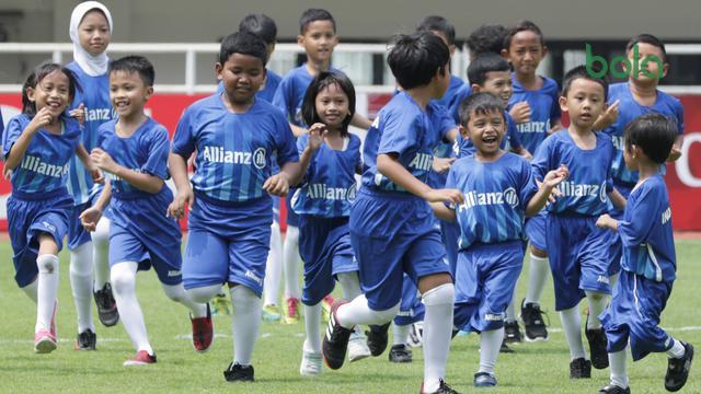 Player Escort Kids Allianz