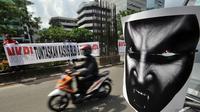 Pegiat anti korupsi meminta kepada KPK untuk segera menuntaskan kasus korupsi yang telah lama terjadi seperti BLBI dan Century, Jakarta, Selasa (9/12/2014). (Liputan6.com/Miftahul Hayat)