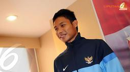 Bagi Evan, kapten merupakan penyambung lidah pelatih. Di dalam lapangan, sang kapten-lah yang menerjemahkan keinginan pelatih Indra Sjafri (Liputan6.com/Helmi Fithriansyah).