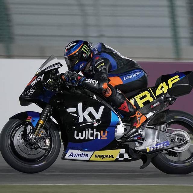 3 Rookie Beberkan Perasaan Setelah Coba Motor Motogp Untuk Kali Pertama Di Tes Shakedown Qatar Yuk Baca Keluhan Adik Valentino Rossi Motogp Bola Com