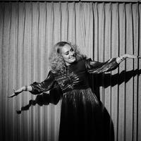 Adele merayakan ulang tahunnya ke-31 dengan penuh suka cita. (Instagram/@adele)