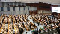 DPR menggelar rapat Paripurna ke-7 yang membuka massa sidang kedua pada Senin (13/1/2020). (Merdeka.com/ Ahda Baihaqi)