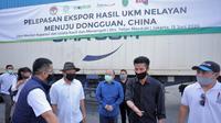 Menkop UKM Teten Masduki, usai melakukan pelepasan Ekspor Hasil UKM Nelayan menuju Dongguan China, di Slin Komira, Muara Baru, Penjaringan, Jakarta Utara, Sabtu (13/6/2020).