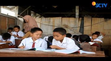 Pihak sekolah mengaku sudah beberapa kali mengajukan permohonan kepaada Dinas Pendidikan setempat untuk perbaikan.