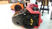 sofa berbentuk potongan body Lamborghini Aventador (designepicentrum)