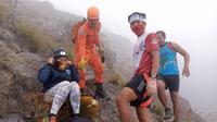 dua orang tersesat di Gunung Agung