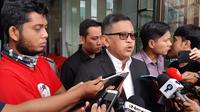 Sekjen PDIP Hasto Kristiyanto usai diperiksa KPK sebagai saksi kasus suap PAW anggota DPR yang menyeret kader PDIP Harun Masiku, Rabu (26/2/2020). (Liputan6.com/Fachrur Rozie)