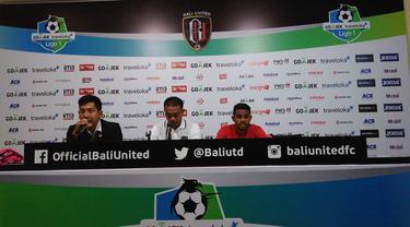 Pelatih sementara Bali United Eko Purdjianto