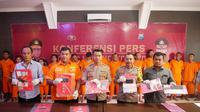Polres Mojokerto dalam konferensi pers merilis keberhasilan pelaksanaan Operasi Tumpas Narkoba Semeru 2019. (Liputan6.com/ Dian Kurniawan)