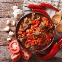 Ilustrasi semur daging kambing pedas./Copyright shutterstock.com
