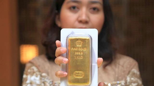 Antam meluncurkan desain kemasan emas Antam LM batangan baru.