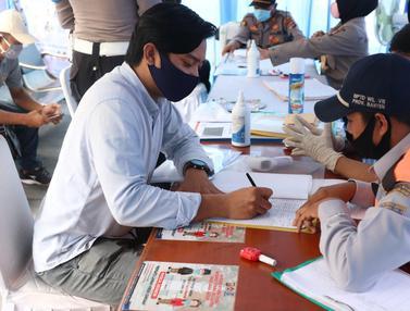 Calon Penumpang Kapal Feri Wajib Jalani Pemeriksaan Dokumen