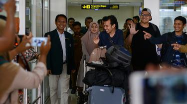 Pulang dari Karantina Virus Corona, Mahasiswa Aceh Disambut Keluarga