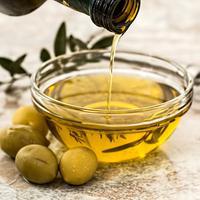Ilustrasi minyak zaitun (dok. Pexels.com/Putu Elmira)