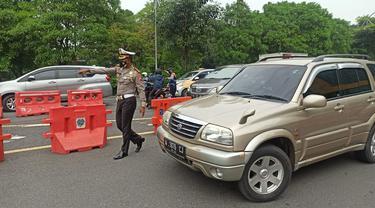 Penyekatan saat PPKM darurat di Jatim (Dian Kurniawan/Liputan6.com)