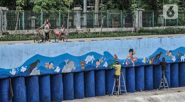 Warna-Warni Mural Percantik Bantaran Kali Ciliwung