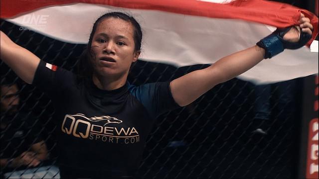 """Berita video petarung wanita Indonesia, Priscilla Hertati Lumbangaol, yang akan tampil di tarung MMA """"Grit and Glory"""" One Championship."""