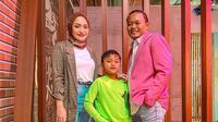 Di acara Cerita Cinta Sule yang tayang di Trans TV, Sule menceritakan bahagianya bisa pergi bersama keluarga besar ke Bali. Meskipun momen tersebut adalah waktunya ia dan Nathalie berbulan madu. (Instagram/nathalieholscher)