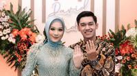 Bintang PSIS Semarang, Septian David Maulana, melangsungkan pertunangan dengan pujaan hati, Indri Diah Kusuma, di Ungaran, Kabupaten Semarang, Sabtu (20/6/2020). (Instagram Septian David Maulana)