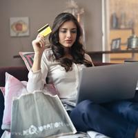 online shopping | pexels.com/@olly