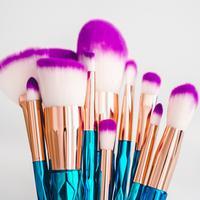 ilustrasi jenis dan fungsi kuas untuk makeup/pixabay