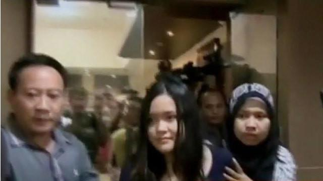 Masa tahanan Jessica di Polda Metro Jaya juga akan diperpanjang, hingga operasi besar besaran digelar aparat gabungan di Kampung Aceh.