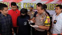 Jatanras Sat Reskrim Polres Kota Tangerang, membekuk komplotan perampok yang kerap menggunakan senjata api jenis revolver dalam aksinya.