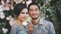 Syahnaz Sadiqah dan Jeje Govinda bertunangan [foto: instagram.com/syahnazs]