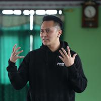 Demian Aditya di Yayasan yatim piatu Bramadita Rahman (Nurwahyunan/bintang.com)