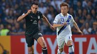 Penyerang Johor Darul Ta'zim, Diogo Luis Santo saat masih berseragam Buriram United. (AFP/STR).