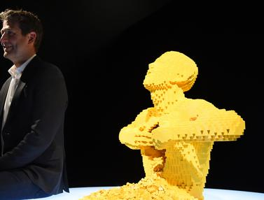 Keren, Deretan Karya Seni Ini Terbuat dari Kepingan Lego