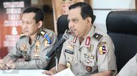 Kabagpenum Polri Brigjen Rikwanto memberi keterangan pers terkait penangkapan terduga teroris Jatiluhur di Jakarta, Senin (26/12). (Liputan6.com/Faizal Fanani)