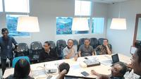 Tim Kuasa Hukum Prabowo-Sandiaga menyambangi kantor LPSK, Sabtu (15/6/2019). (Liputan6.com/ Yopi Makdori)