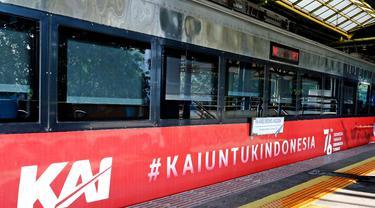 kereta api di Surabaya