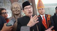 Mantan ketua KPK Antasari Azhar saat ditemui sejumlah media di rumah dinas Wali Kota Solo, Loji Gandrung, Sabtu (14/9).(Liputan6.com/Fajar Abrori)