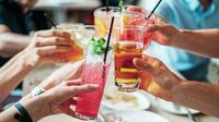 ilustrasi minuman penghilang dehidrasi saat puasa/pexels