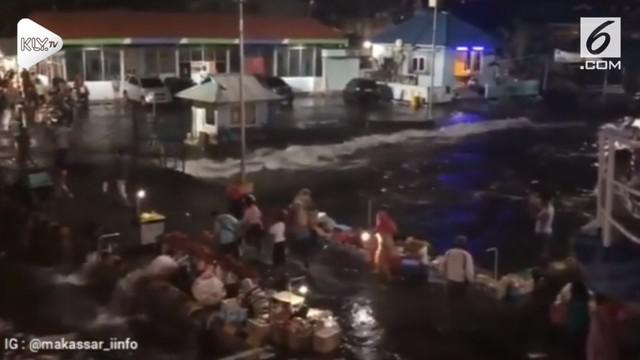 BMKG Maluku Utara edarkan surat peringatan gelombang tinggi yang akan melandar perairan wilayah Halmahera.