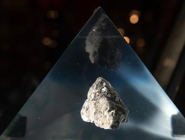 Batu Bulan
